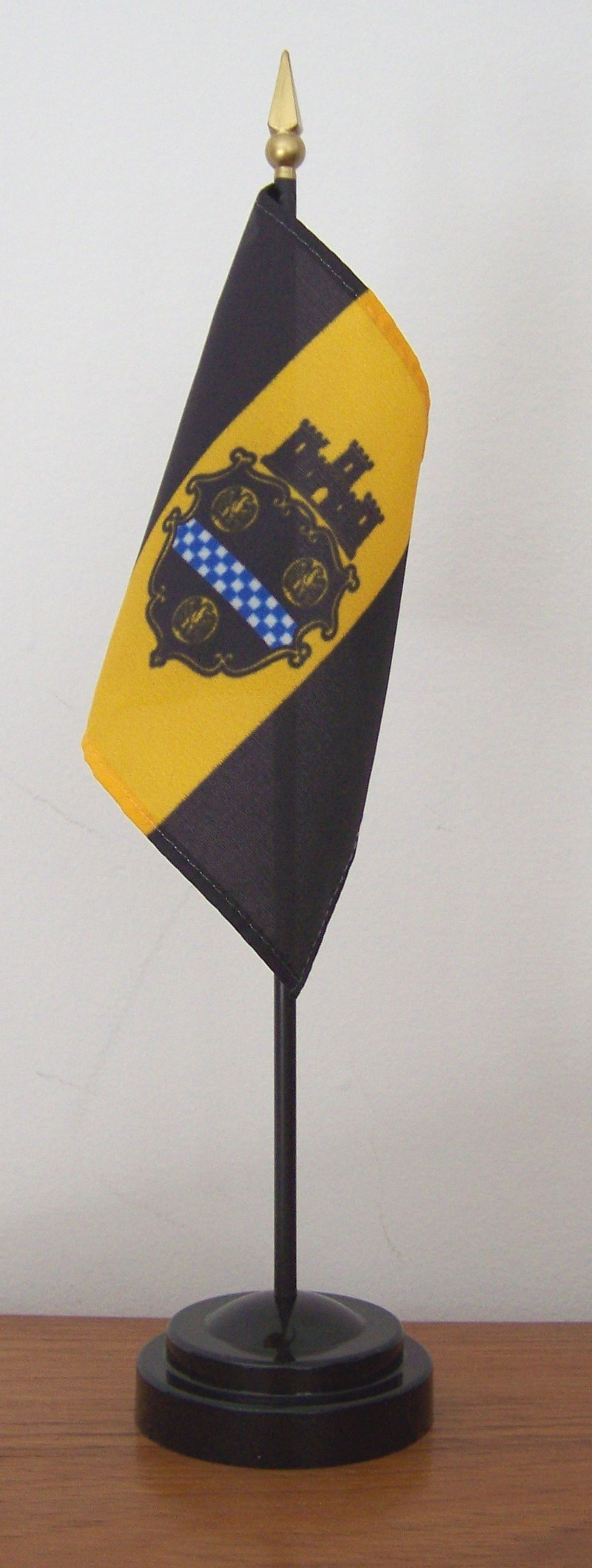 Pittsburgh Mini Flag With Stand The Flag Factory
