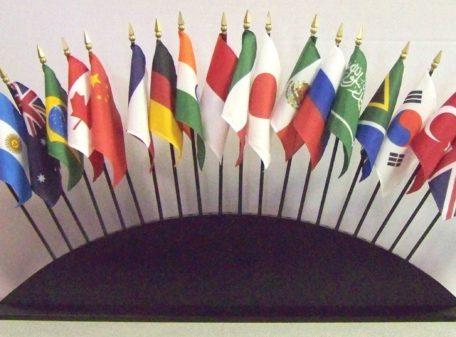 International / World Desktop Flags